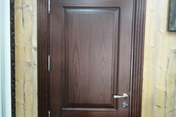 door-1232555EB-A0B4-BC88-B63F-6E50B3AE70F3.jpg
